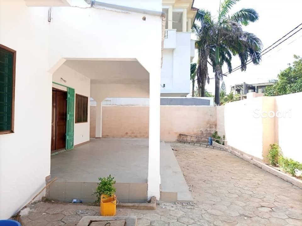 villa-plain-pied-a-vendre-a-akpakpa-zone-des-ambassades-big-2