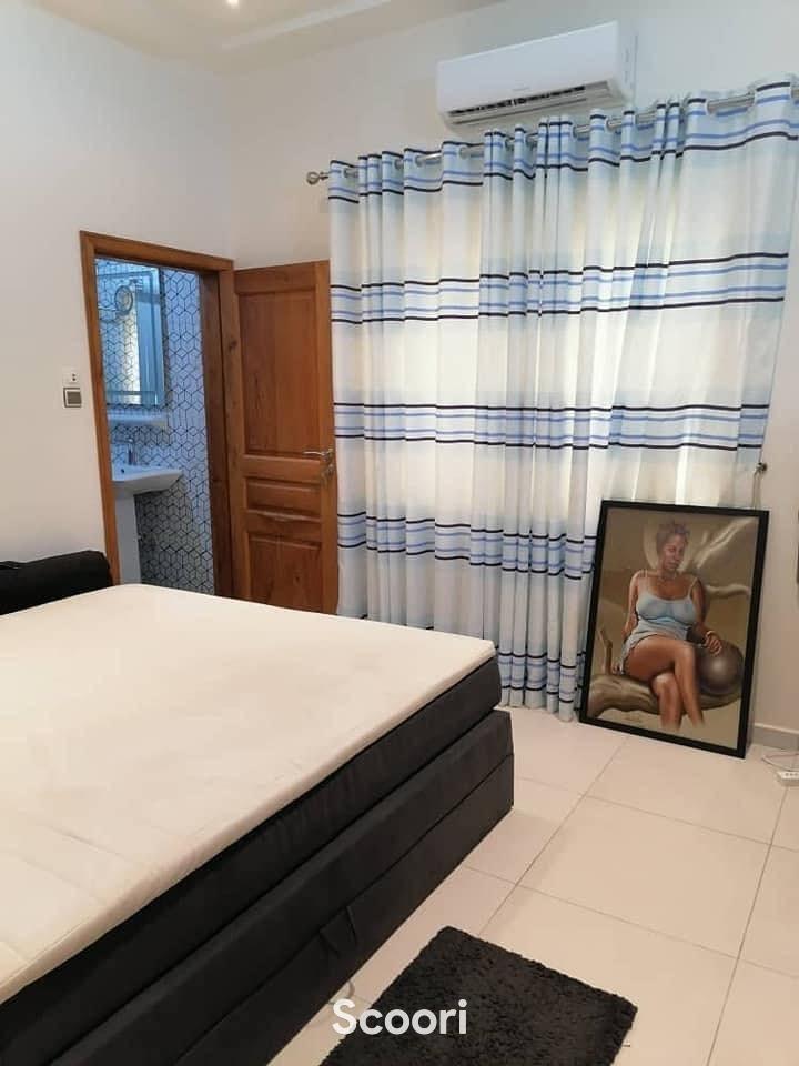 villa-meublee-de-5-chambres-et-salon-sanitaires-a-louer-calavi-arconville-big-3