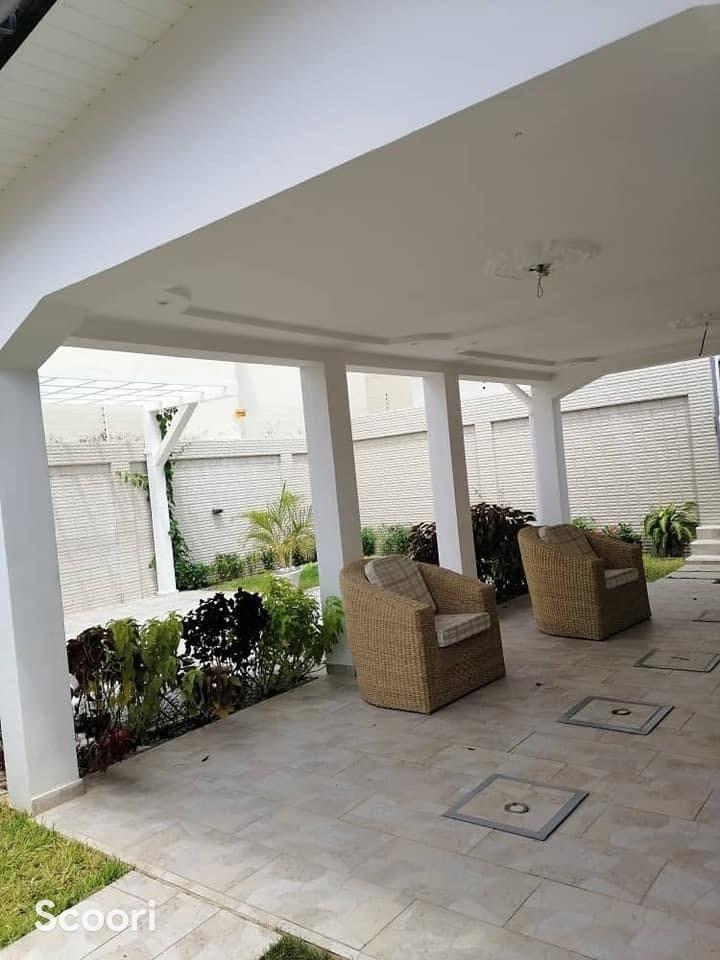 villa-meublee-de-5-chambres-et-salon-sanitaires-a-louer-calavi-arconville-big-1