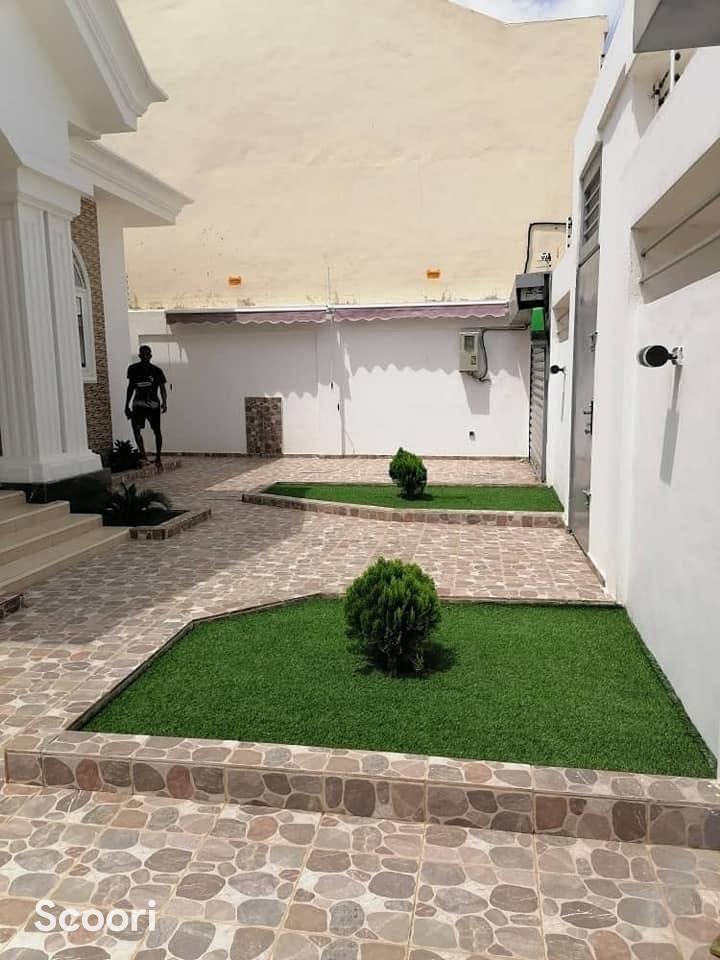 villa-meublee-de-5-chambres-et-salon-sanitaires-a-louer-calavi-arconville-big-0