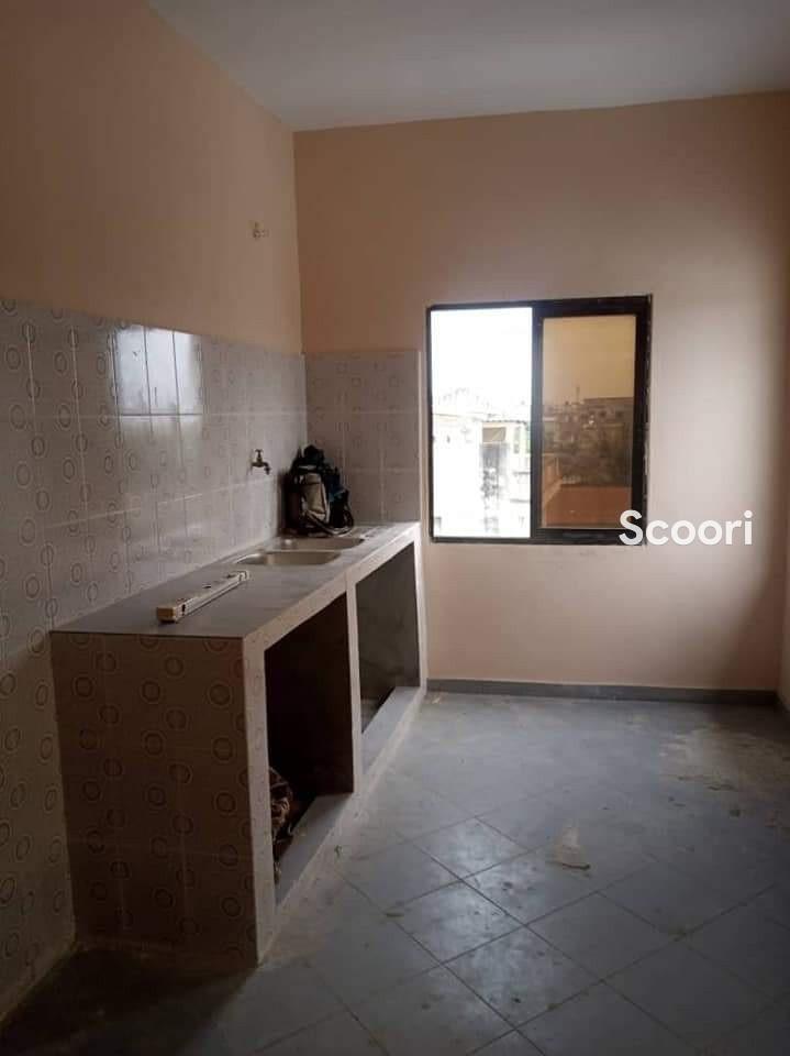 appartement-de-03-chambres-salon-a-fidjrosse-aibatin-big-3