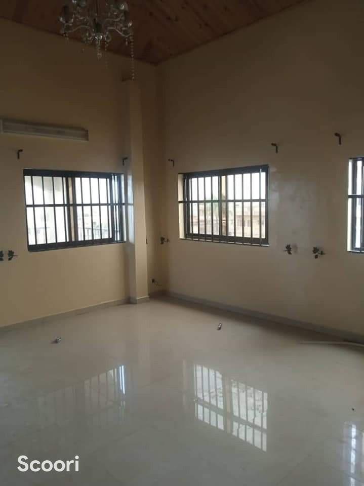 appartement-de-03-chambres-salon-a-fidjrosse-aibatin-big-0