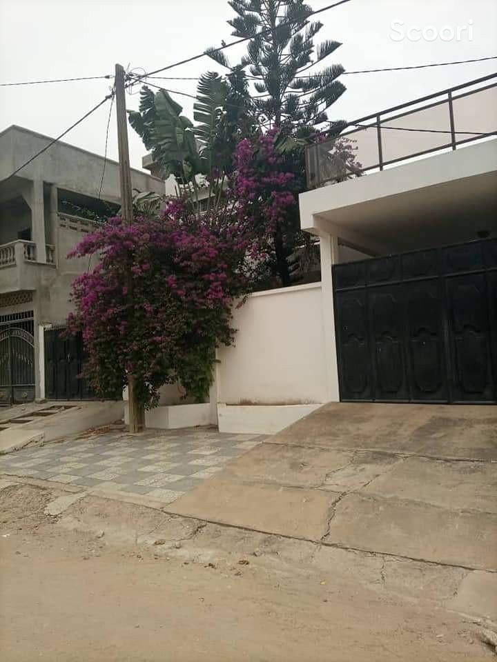 villa-de-05-chambres-a-louer-a-aibatin-big-1