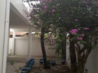 Villa de 05 chambres à louer à Aïbatin