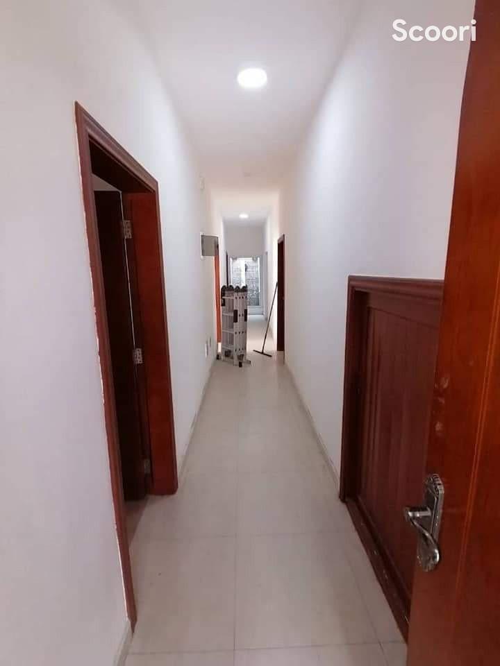 appartement-de-04-chambres-salon-staffes-a-louer-a-houeyiho-big-5