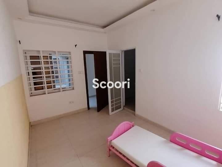 appartement-de-04-chambres-salon-staffes-a-louer-a-houeyiho-big-6