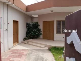 Petite villa à louer à Fidjrossè