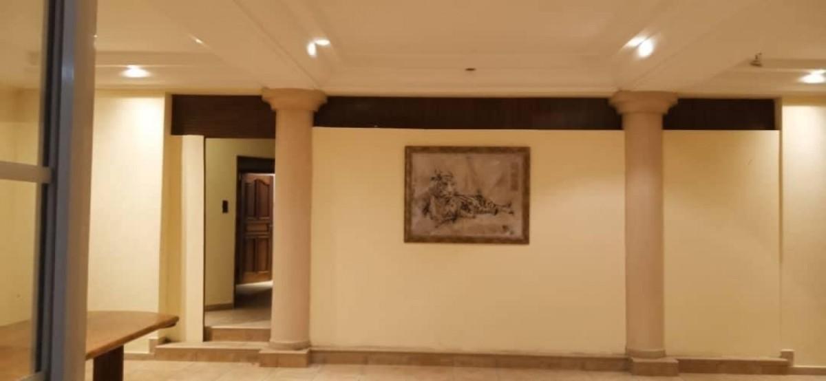 location-villa-de-7-chambres-salon-avec-piscine-a-fidjrosse-big-4