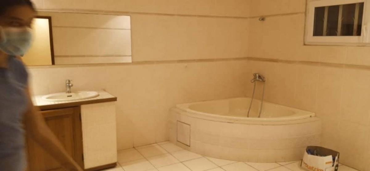 location-villa-de-7-chambres-salon-avec-piscine-a-fidjrosse-big-5