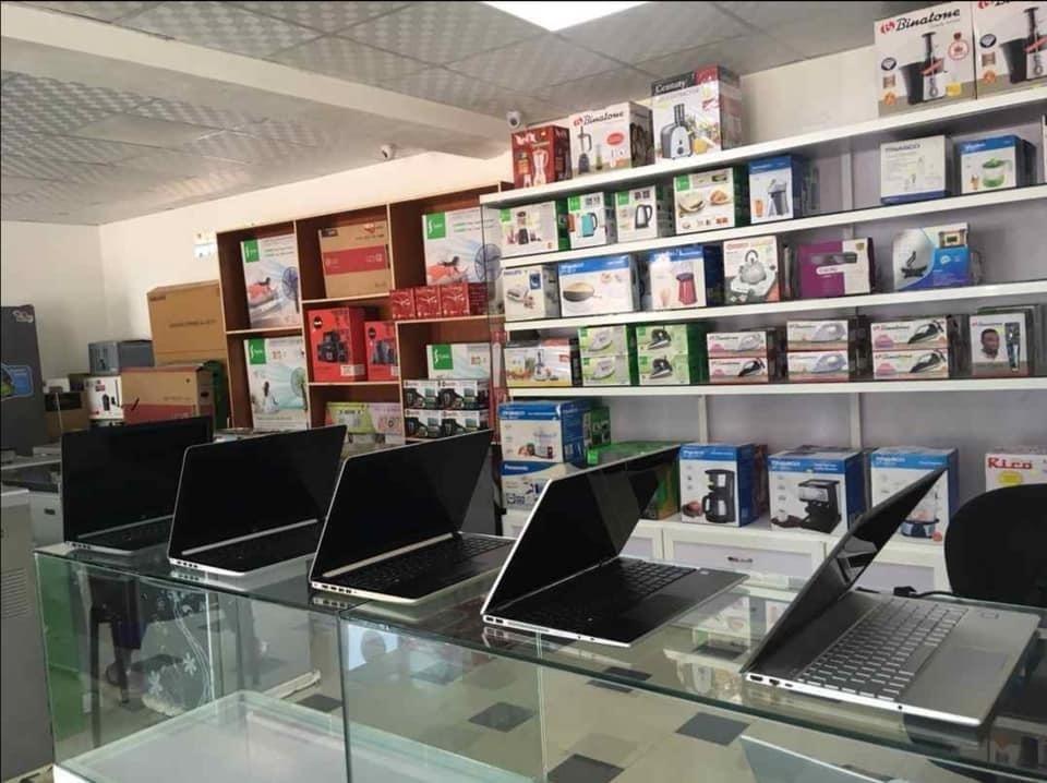ordinateurs-portables-neuf-sac-souris-et-antivirus-big-6