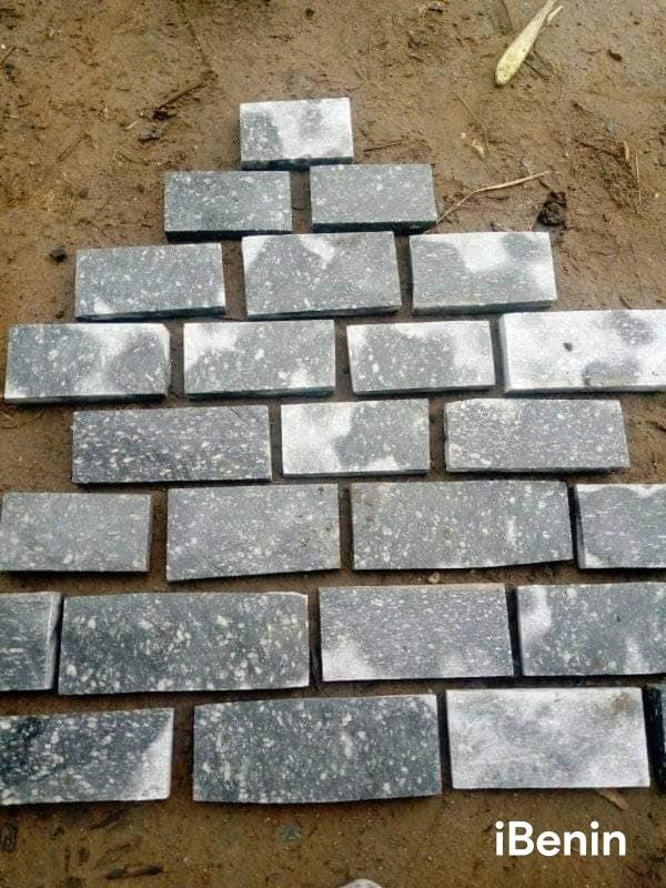 pierres-des-collines-du-benin-big-1