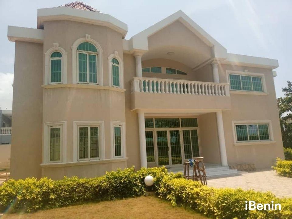 a-louer-villa-duplex-avec-piscine-de-haut-standing-a-akpakpa-big-0