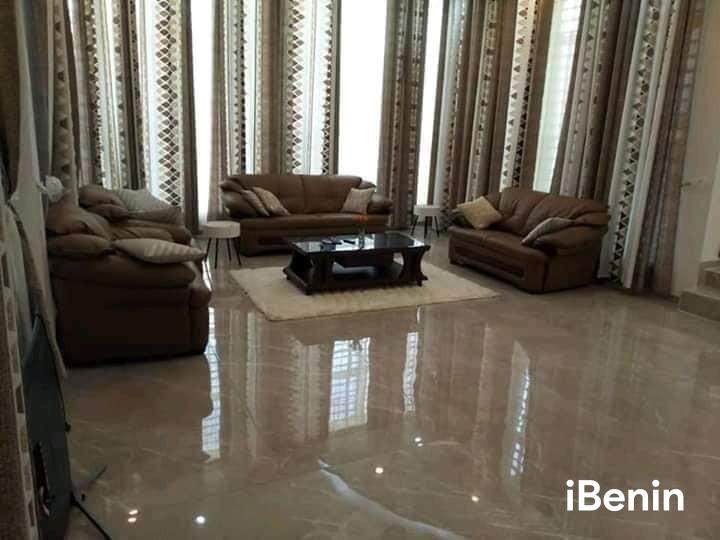 villa-triplex-meublee-de-5-chambres-et-2-salons-sanitaires-avec-piscine-big-1